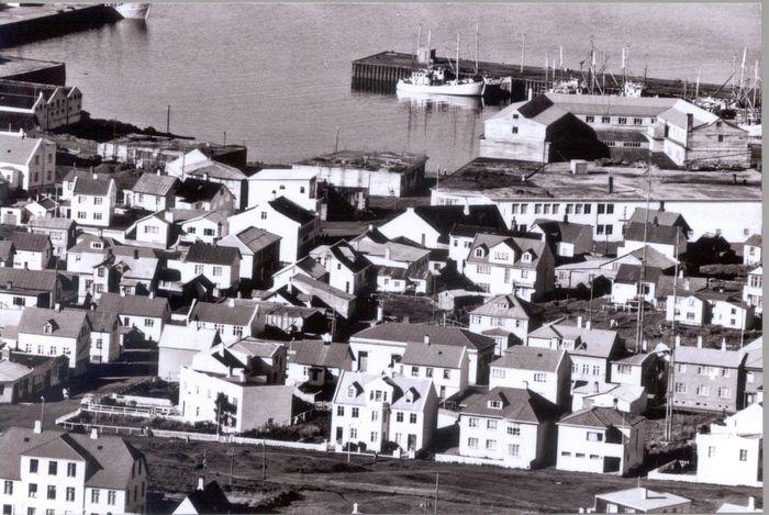 Kjartan Miðbærinn Nausthamar