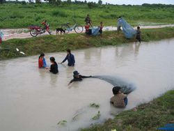 fishing-in-cambodia11.jpg