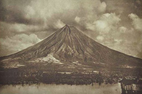 Mayon 1915