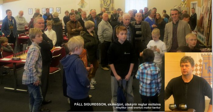 Páll Sigurðsson, formaður TG og skákstjóri útskýrir reglur mótsins 26.10...