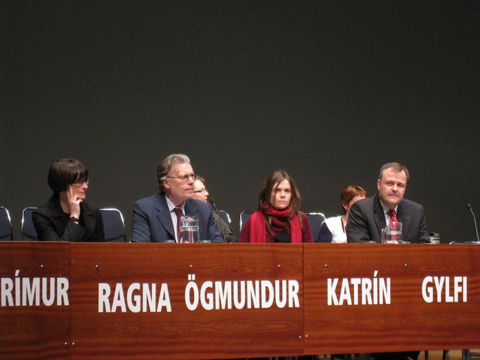 Ragna, Ögmundur, Katrín og Gylfi í palli