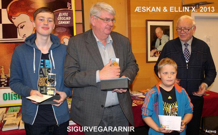 ÆSKAN OG ELLIN X. 2013 Sigurvegararnir plús E. Ess form. mótsnefndar 26.10.2013 17 24 55