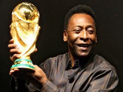 Pele-with-World-Cup-trophy