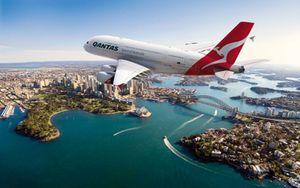 Qantas-A380-over-sydney