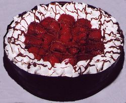 Chocolate_Mousse_Cake__strawberries