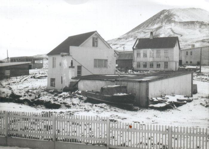 Hvassafell og Gerði