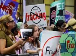 Gas_New-York-anti-fracking-protest