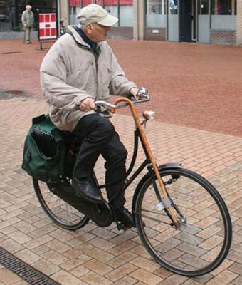 elderly_cyclist