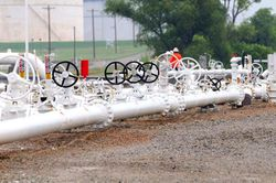 cushing_enbridge-oil-pipes.jpg