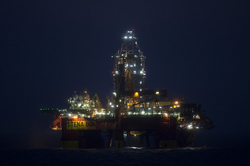 Cairn-Energy-Stena Don-night-1