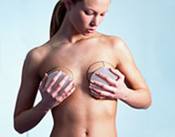 breast-implants-woman-trying-forward-194x152