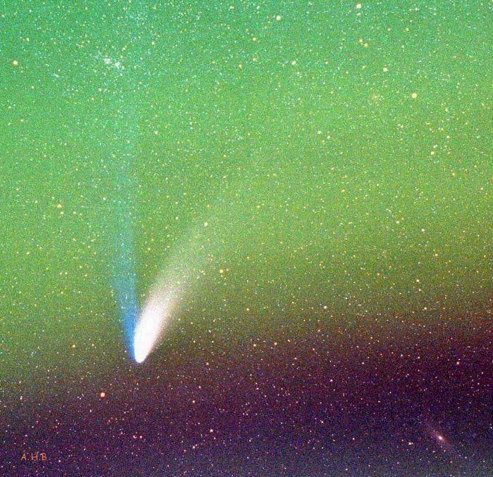 Hale Bopp og Andromeda stjörnuþokan