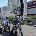 Harley bræður i Las Vegas fyrir utan Harley dealer.