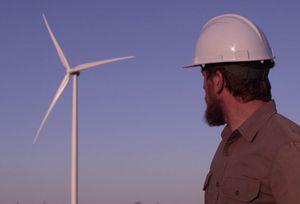 Wind-turbine-worker_Askja-Energy