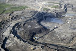 oil_sands_desert_2.jpg