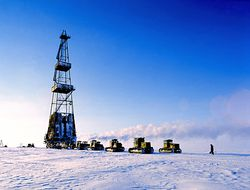 Arctic_oil_rig_towed
