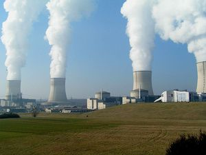 800px-Nuclear_Power_Plant_Cattenom
