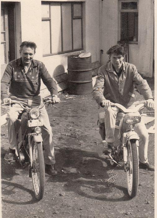 Siggi og Jósúa á mótrorhjólum