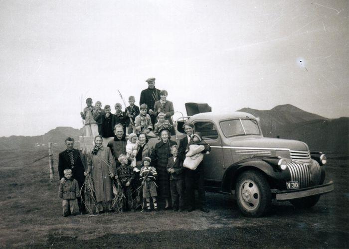 Sumarferð upp á Stórhöfða 1954