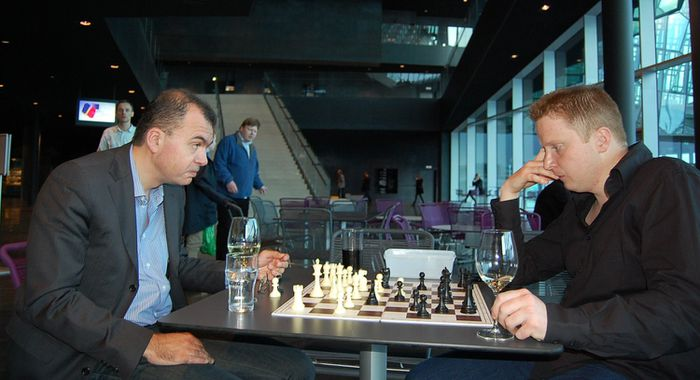 Sokolov and Williams analysing their game