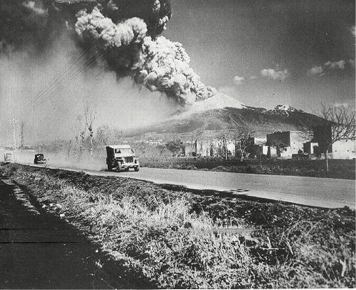 Vesuvius 1944  WWII