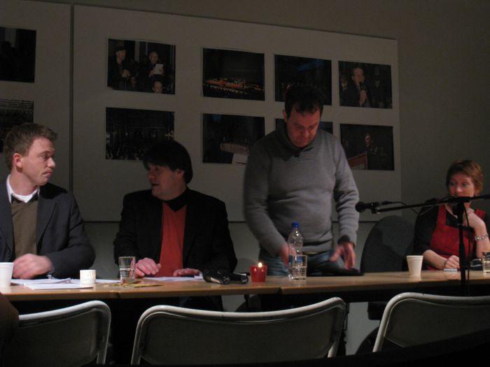 Gunnar Axel, Óli Björn, Gunnar fundarstjóri og Helga systir