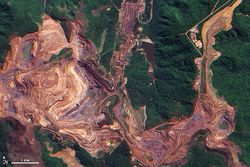 Brazil-Iron-Ore_Carajas-Vale-Mine-from-above-1