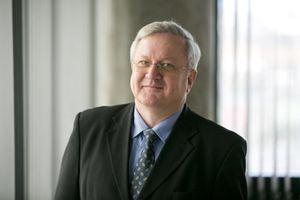 Ragnar J Jónsson