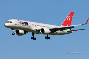 northwest-airlines-n544us_442516