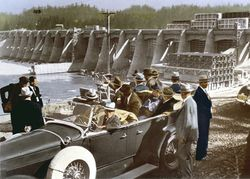roosevelt-at-bonneville-dam.jpg