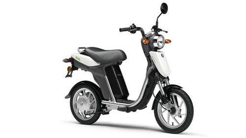 2011-Yamaha-EC-03-EU-Basic-White-Studio-001
